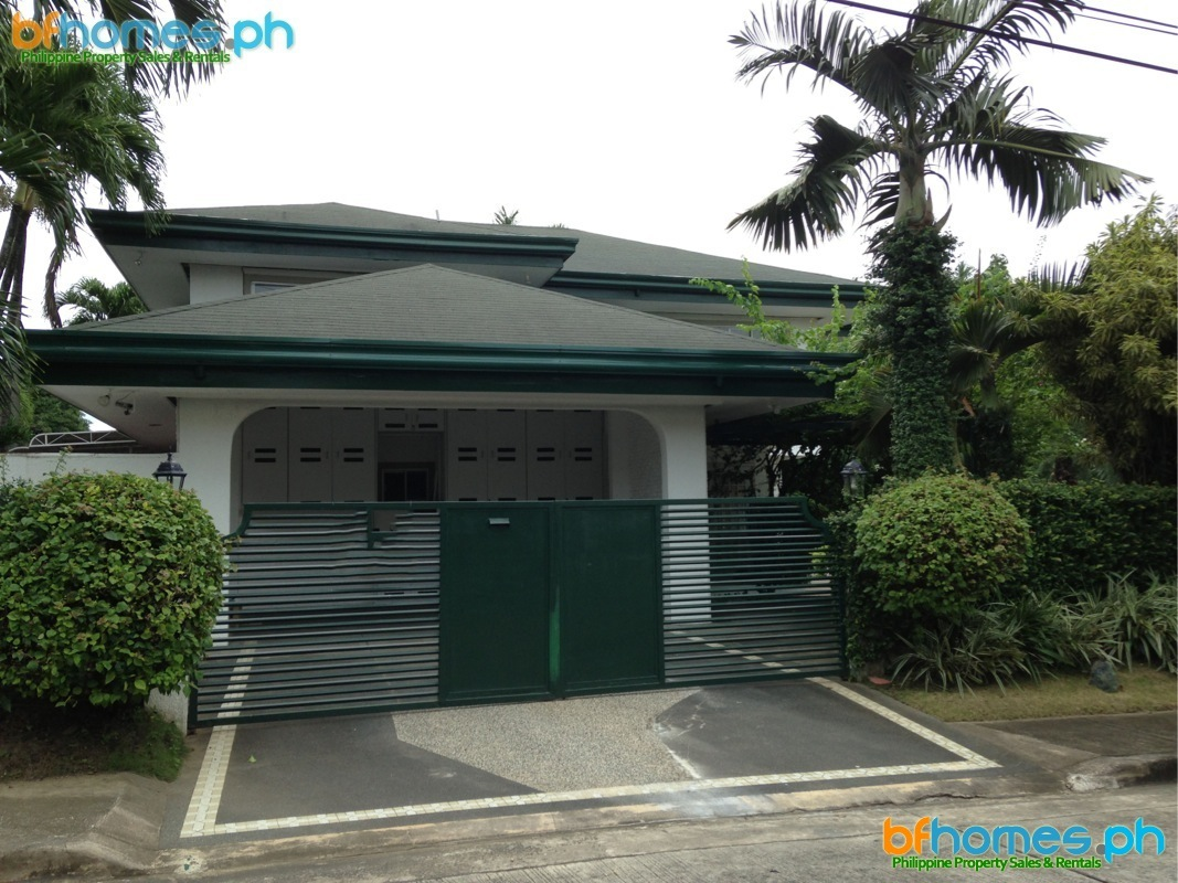 Ayala Alabang House for Rent near Clubhouse.