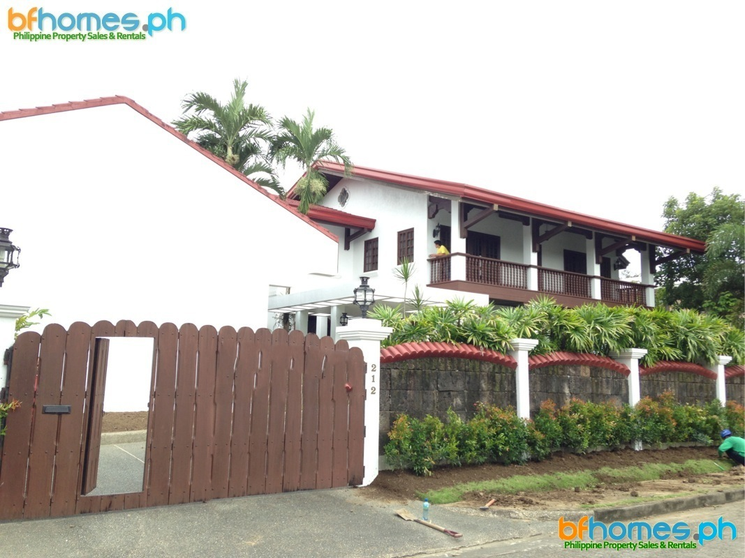 Ayala Alabang 2 Story House for Sale or Rent.
