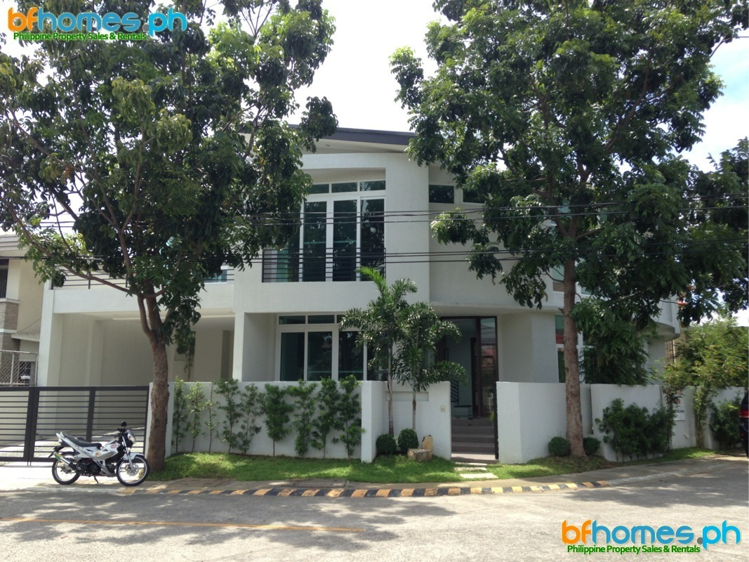 Alabang 400 Brandnew Corner Modern House for Sale.