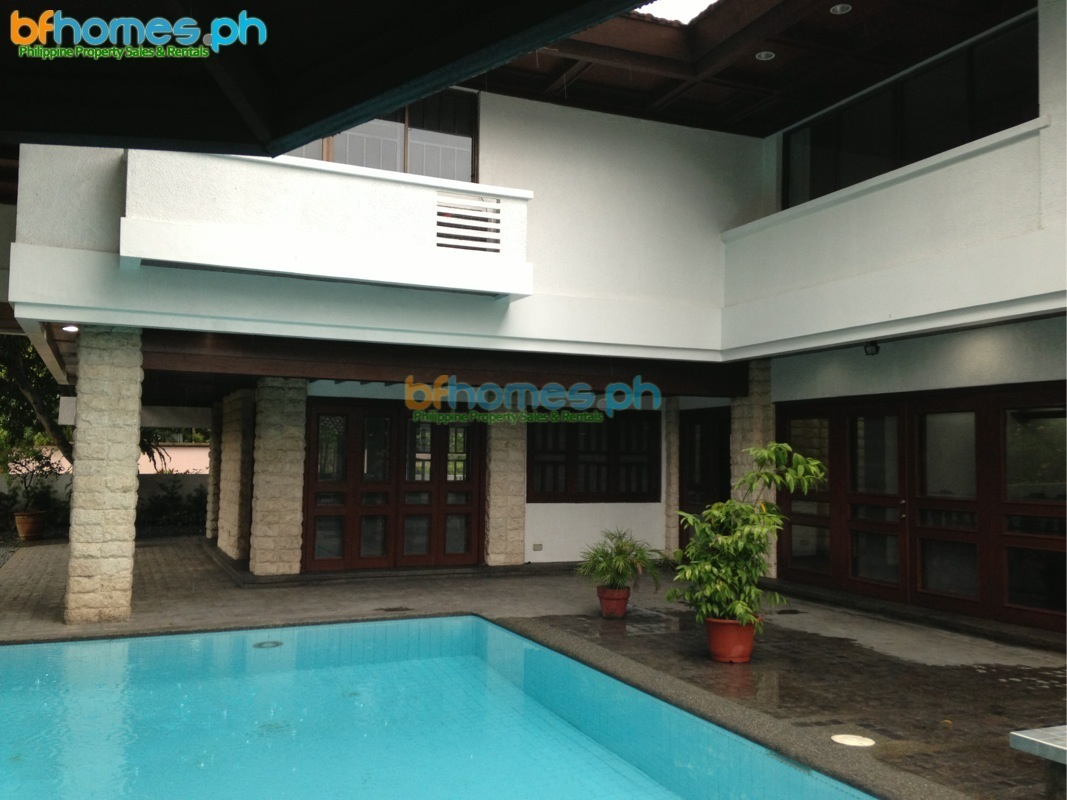 Corner House with Swimming Pool for Rent in Ayala Alabang Muntinlupa.