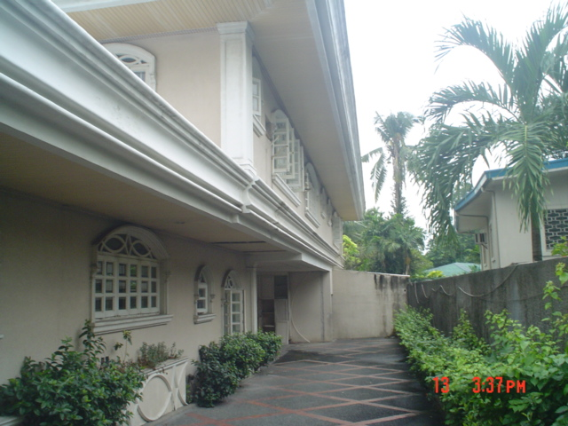 FOR SALE: House Manila Metropolitan Area > Makati 4