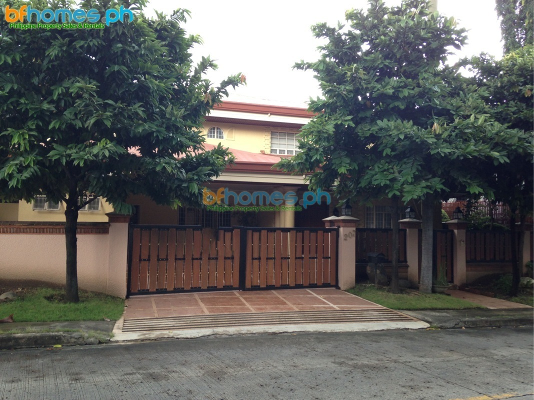 Ayala Alabang Semi-Furnished House near Madrigal gate.
