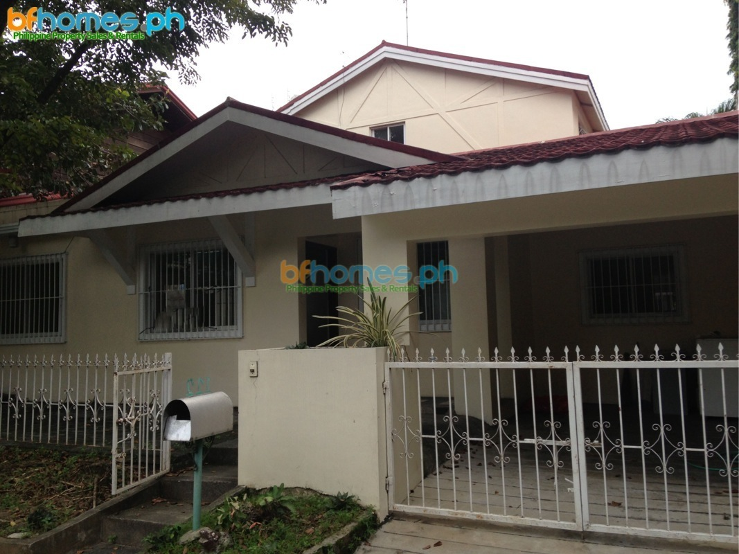 2 Story 2 Bedrooms House for Sale in Ayala Alabang.