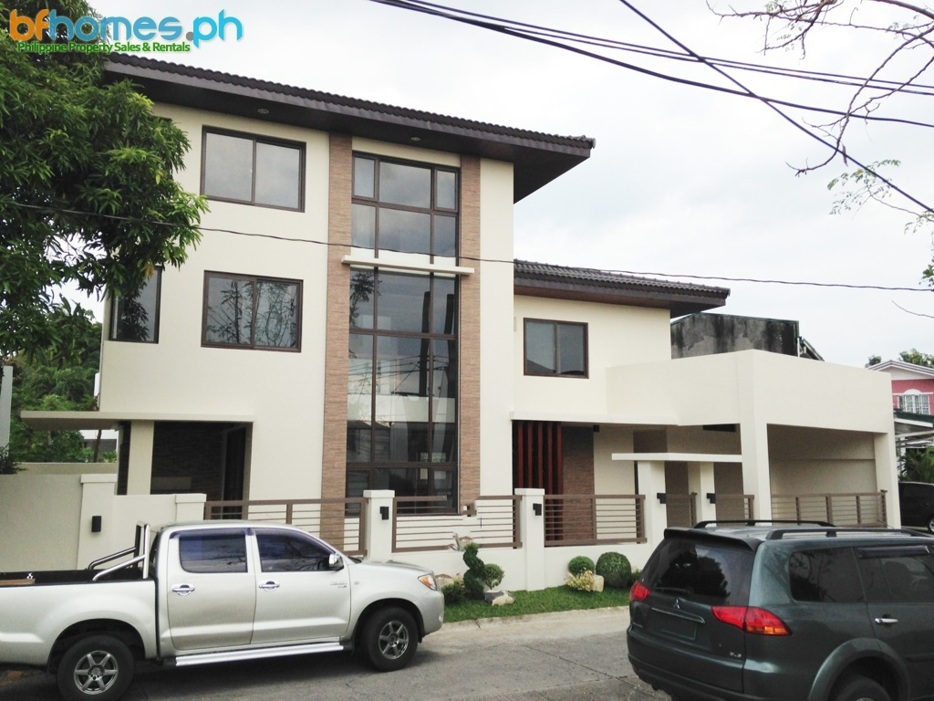 3 Storey Brandnew Modern House for Sale in BF Homes.