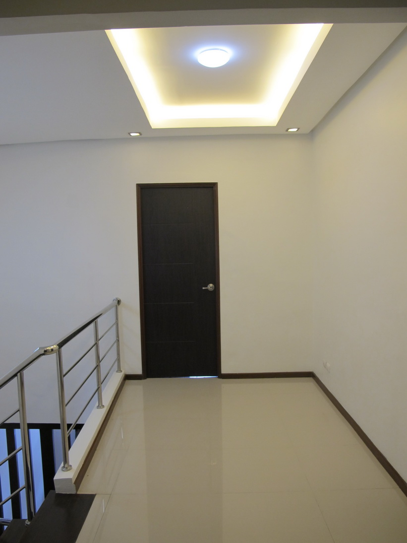 FOR SALE: Apartment / Condo / Townhouse Manila Metropolitan Area > Paranaque 17