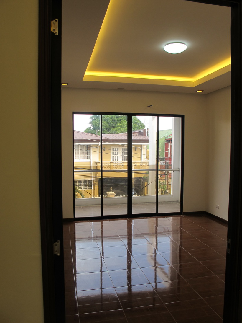 FOR SALE: Apartment / Condo / Townhouse Manila Metropolitan Area > Paranaque 18