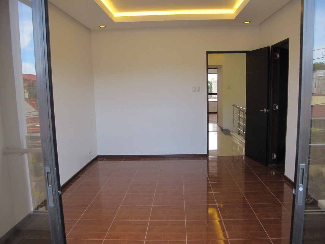 FOR SALE: Apartment / Condo / Townhouse Manila Metropolitan Area > Paranaque 19