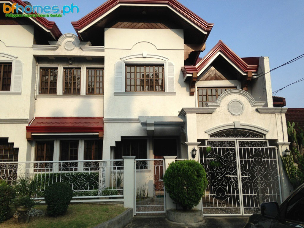 Duplex For Rent in Ayala Alabang Village.