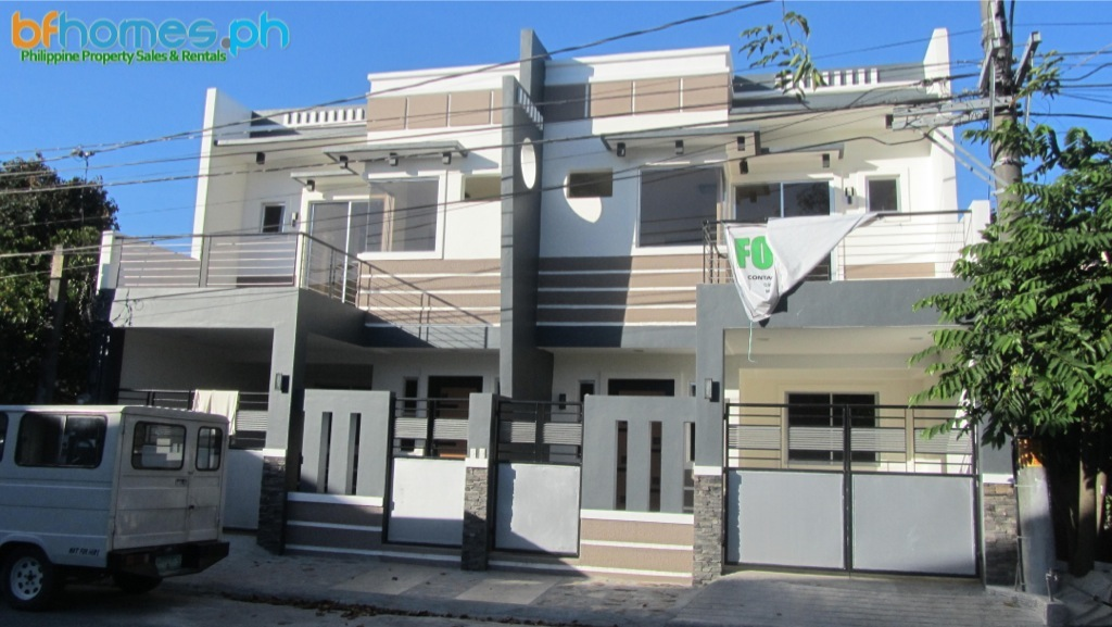 Brand-new Duplex for Sale in BF Resort Las Pinas.