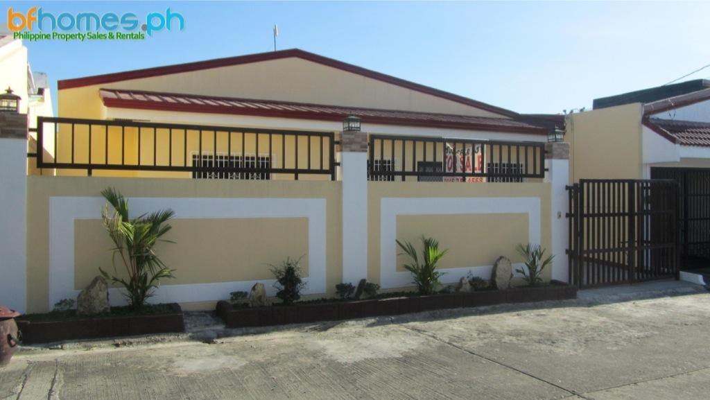 BF Resort Las Pinas Nice Bungalow for Sale.