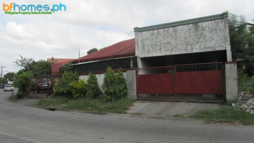 Bungalow for Sale in BF Homes Las Pinas City.