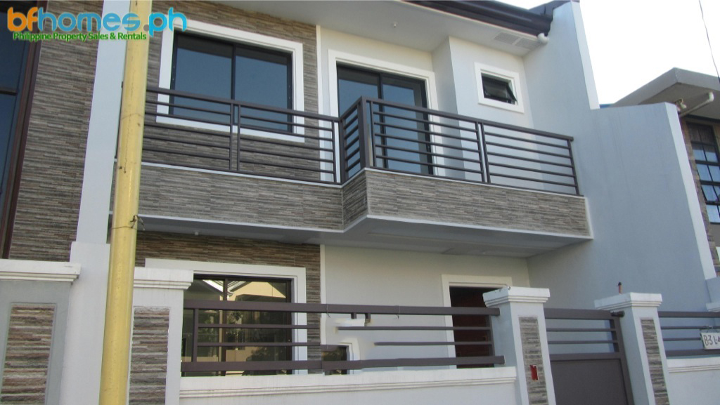 BF Resort Brandnew corner unit Duplex for Sale.