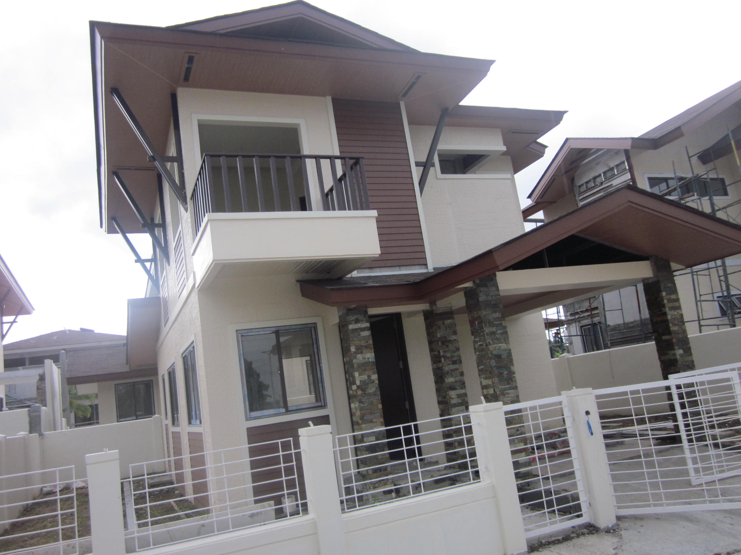 FOR SALE: House Davao >Davao City 6