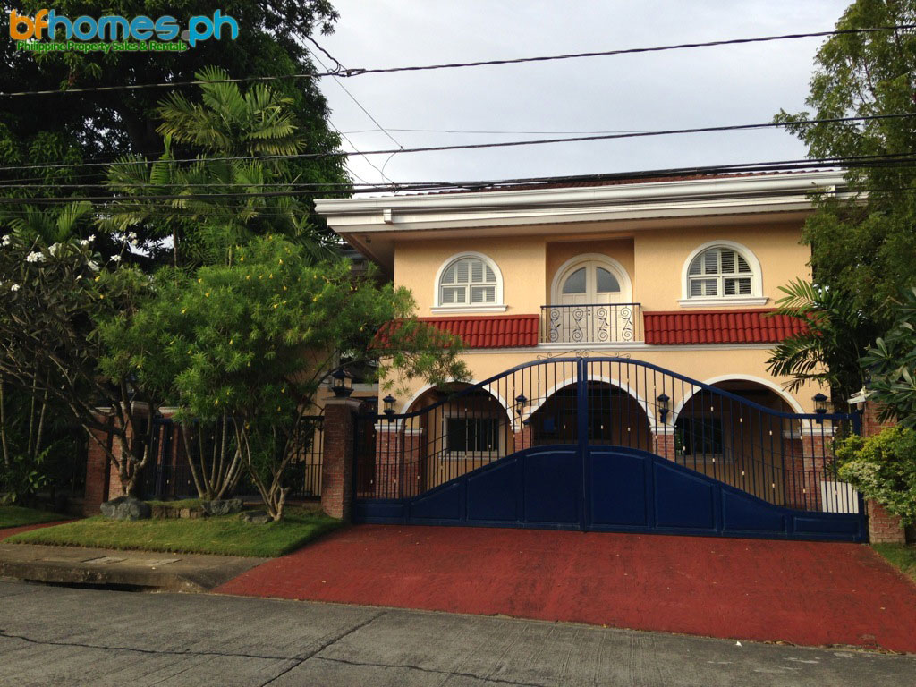 Newly Refurbished 2-Story House for Lease in Ayala Alabang.
