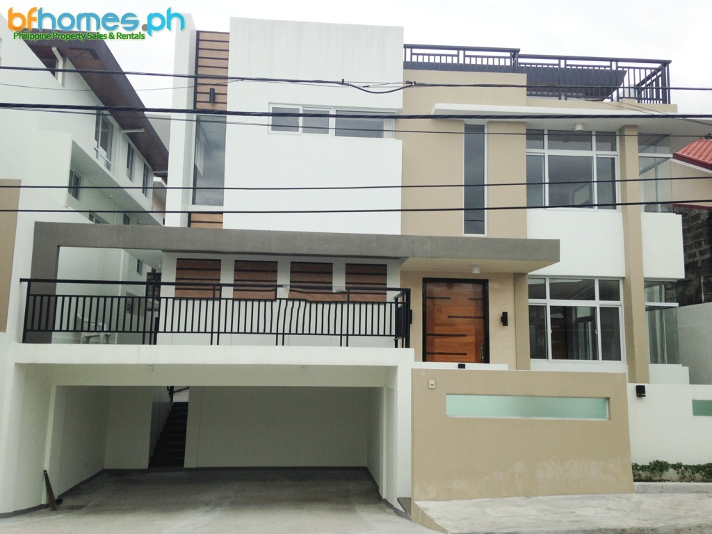 3-Story Brandnew House for Sale in Tahanan Village Paranaque.