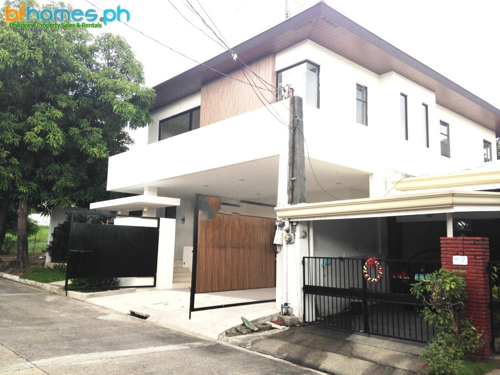 Tahanan Village Paranaque: Bnew House for Sale.