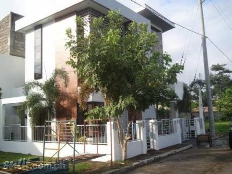 FOR SALE: House Laguna 4