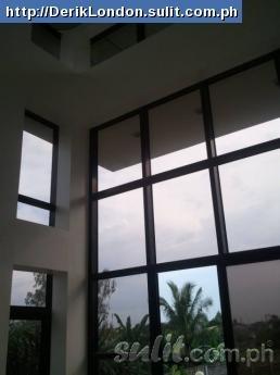 glass door to balcony