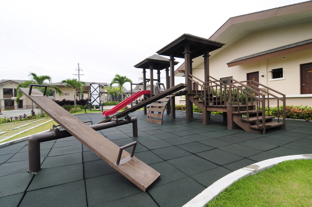 FOR SALE: Apartment / Condo / Townhouse Laguna > Cabuyao 1