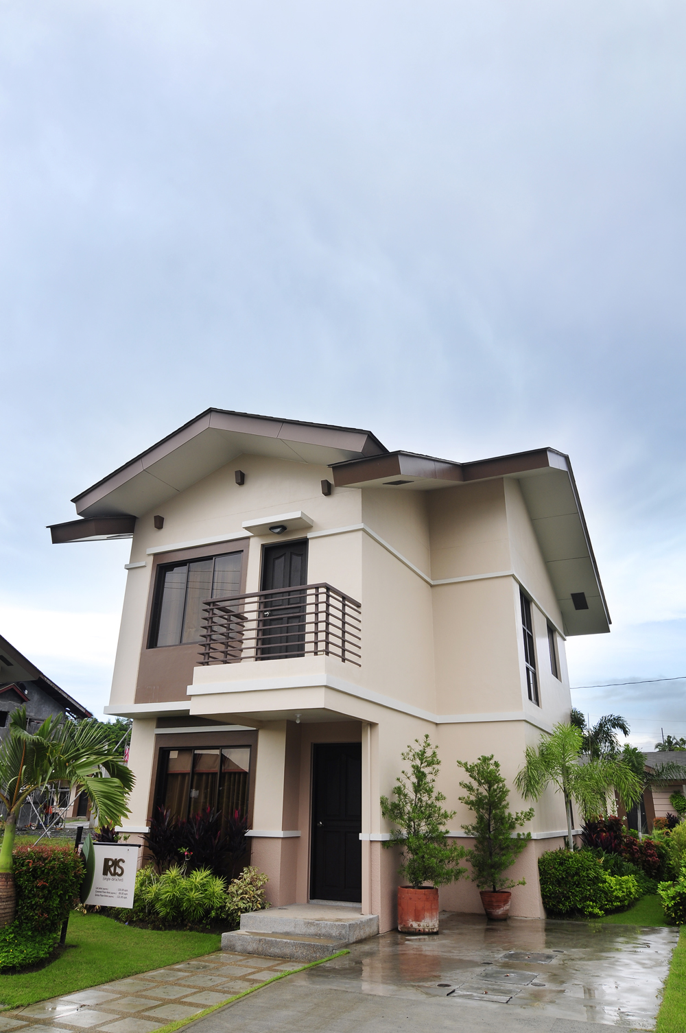 FOR SALE: Apartment / Condo / Townhouse Laguna > Cabuyao 7