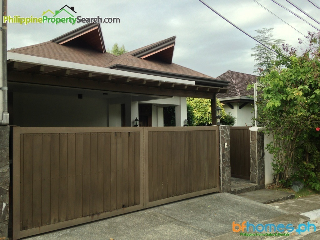 Well-maintained Corner House for Sale in Hillsborough Village
