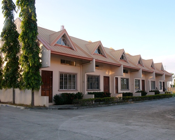 FOR SALE: Apartment / Condo / Townhouse Laguna > Other areas 2