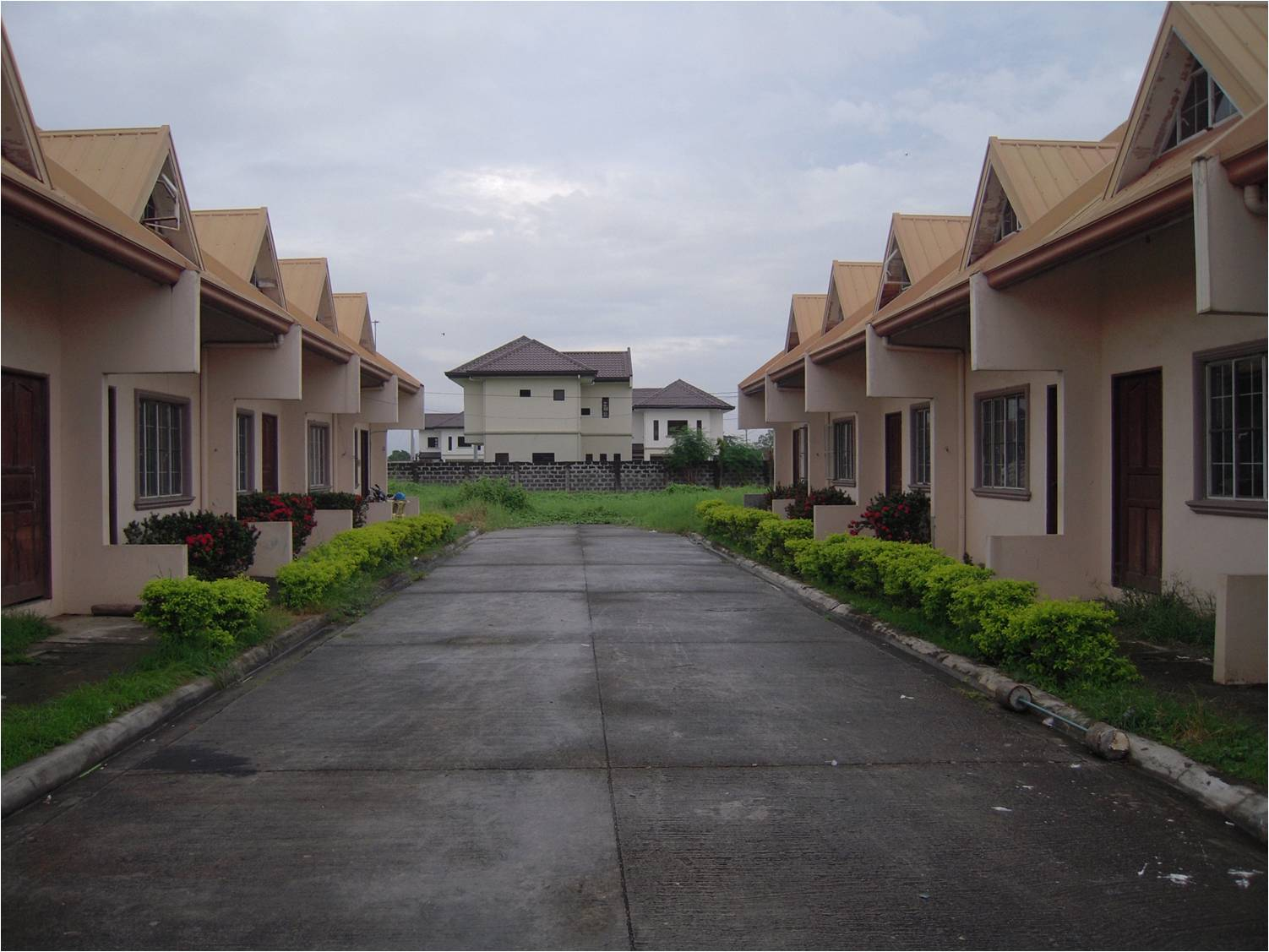 FOR SALE: Apartment / Condo / Townhouse Laguna > Other areas 3