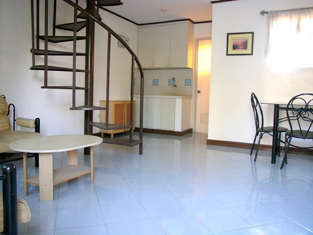 FOR SALE: Apartment / Condo / Townhouse Laguna > Other areas 4