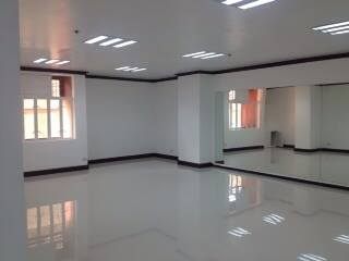 FOR SALE: Office / Commercial / Industrial Manila Metropolitan Area > Makati 4