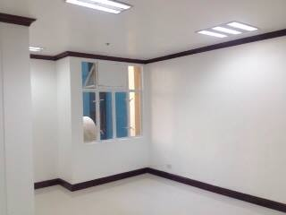 FOR SALE: Office / Commercial / Industrial Manila Metropolitan Area > Makati 6