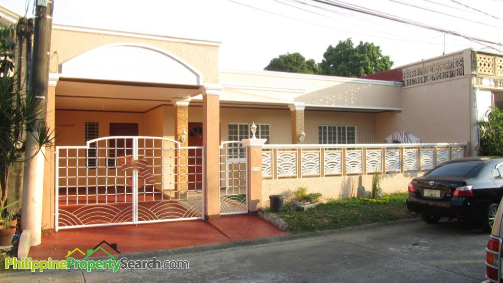 Paranaque Bungalow House and Lot For Sale