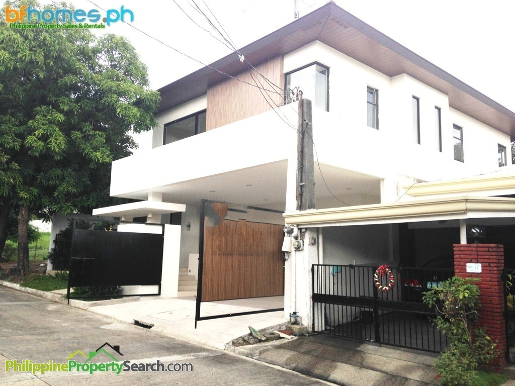 Tahanan Village Paranaque: Bnew House for Sale