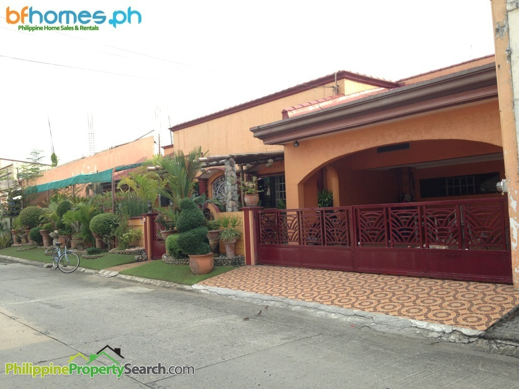 BF Homes Fully Furnished House with Pool for Sale