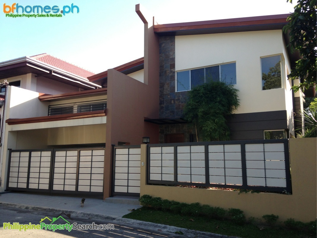 Well Maintain 2 Story House for Sale in BF Homes