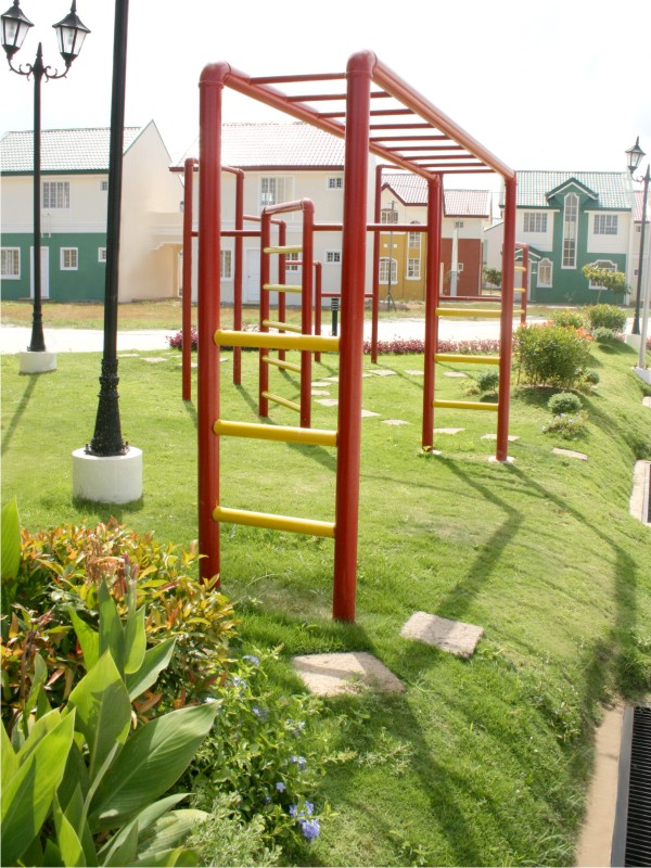 PLAY GROUND2