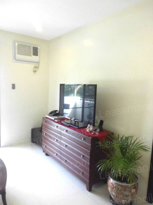 FOR SALE: House Rizal > Taguig 4
