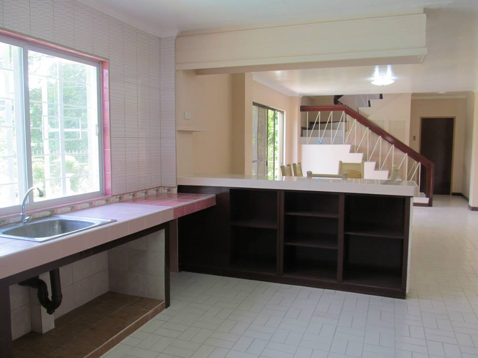 FOR RENT / LEASE: House Cebu > Cebu City 9