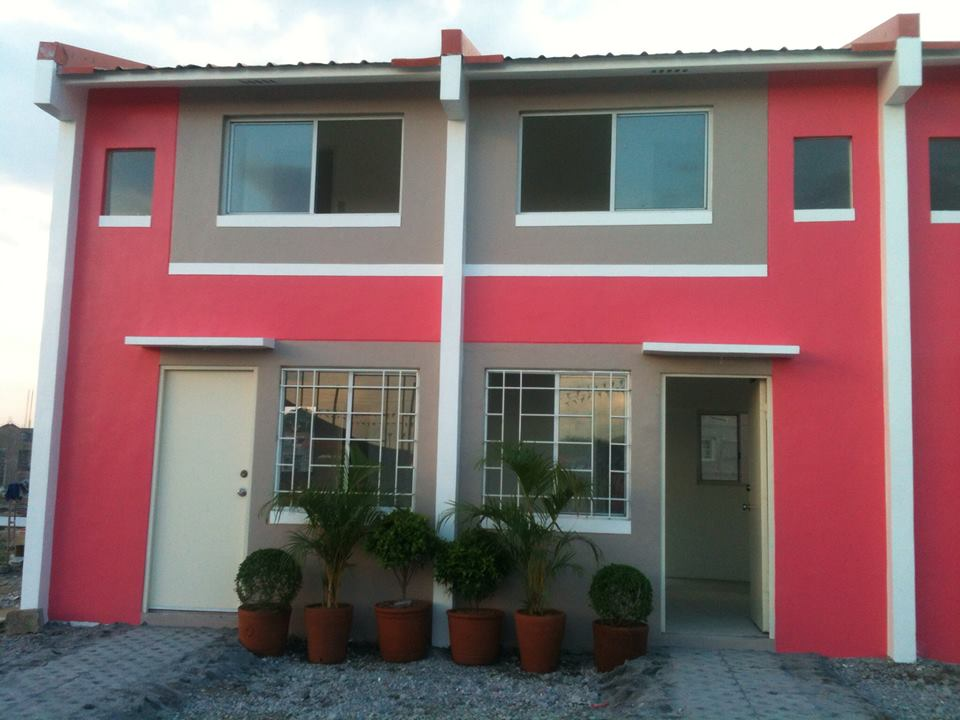 FOR SALE: Apartment / Condo / Townhouse Cavite 1