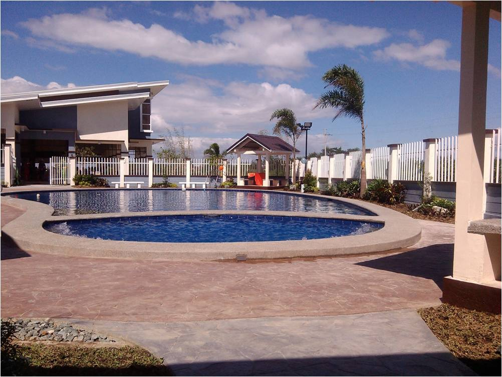 FOR SALE: Apartment / Condo / Townhouse Cavite > Bacoor 0