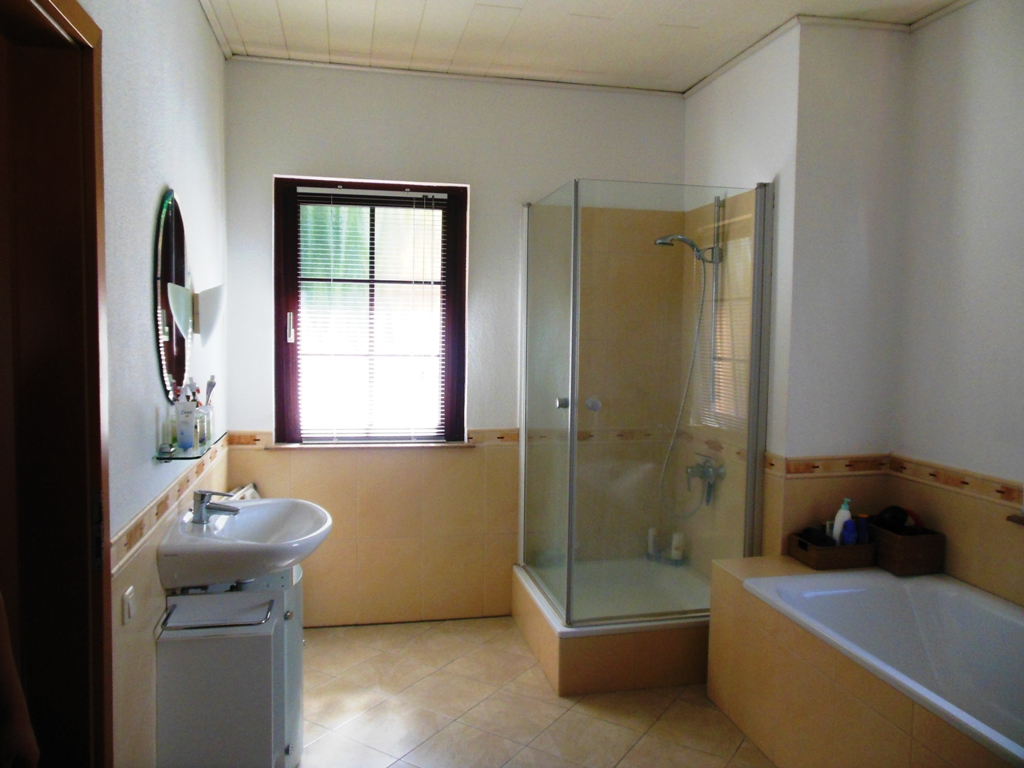 master toilet & bath