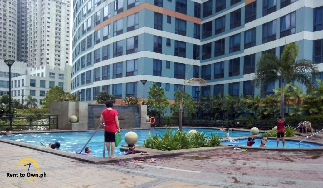 Swimming Pool 2 - http://www.renttoown.ph