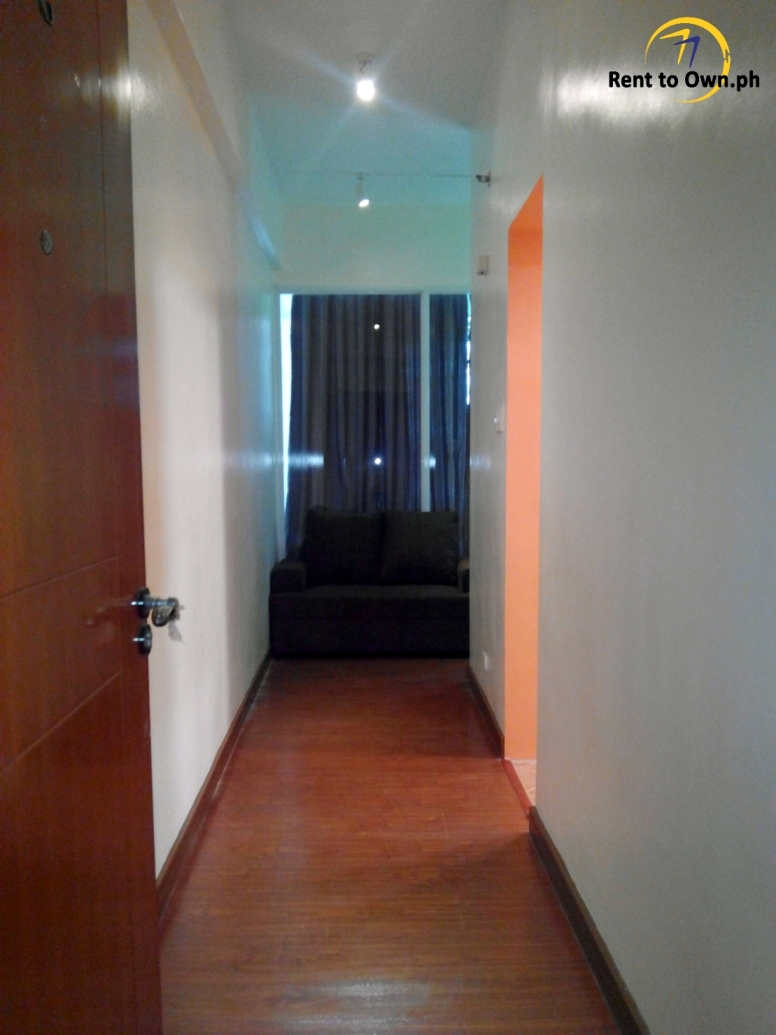 Hallway - http://www.renttoown.ph