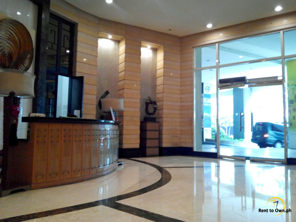 Lobby 2 - http://www.renttoown.ph