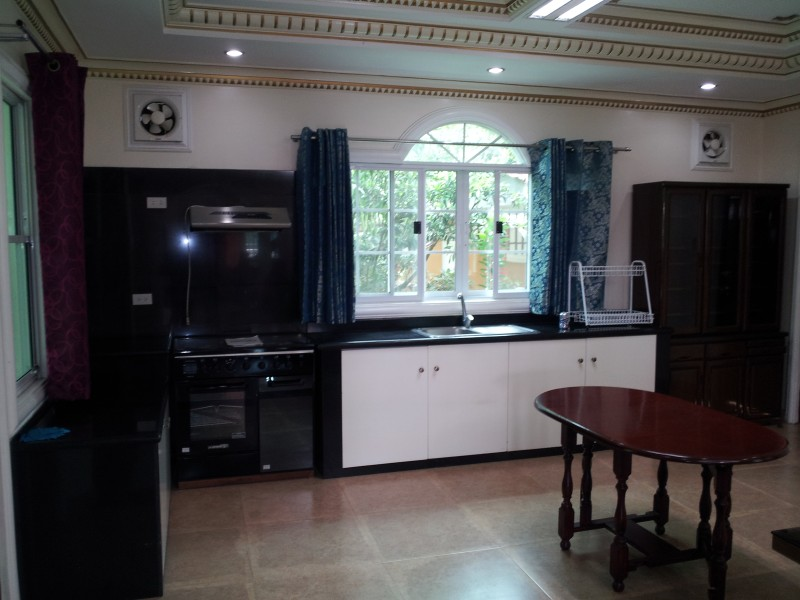 FOR RENT / LEASE: House Cebu 6