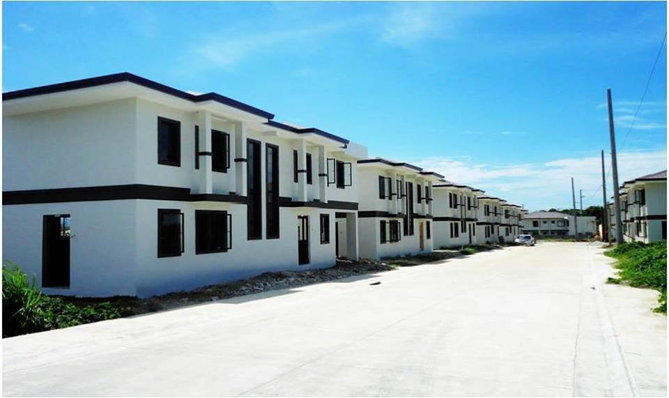 FOR SALE: House Batangas 3