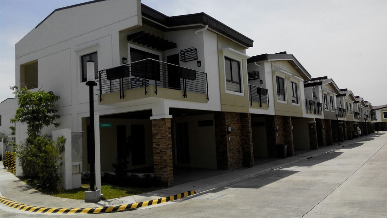 Ready for Occupancy 3 Bed Townhouse - Woodsville Residences (Merville Paranaque City)