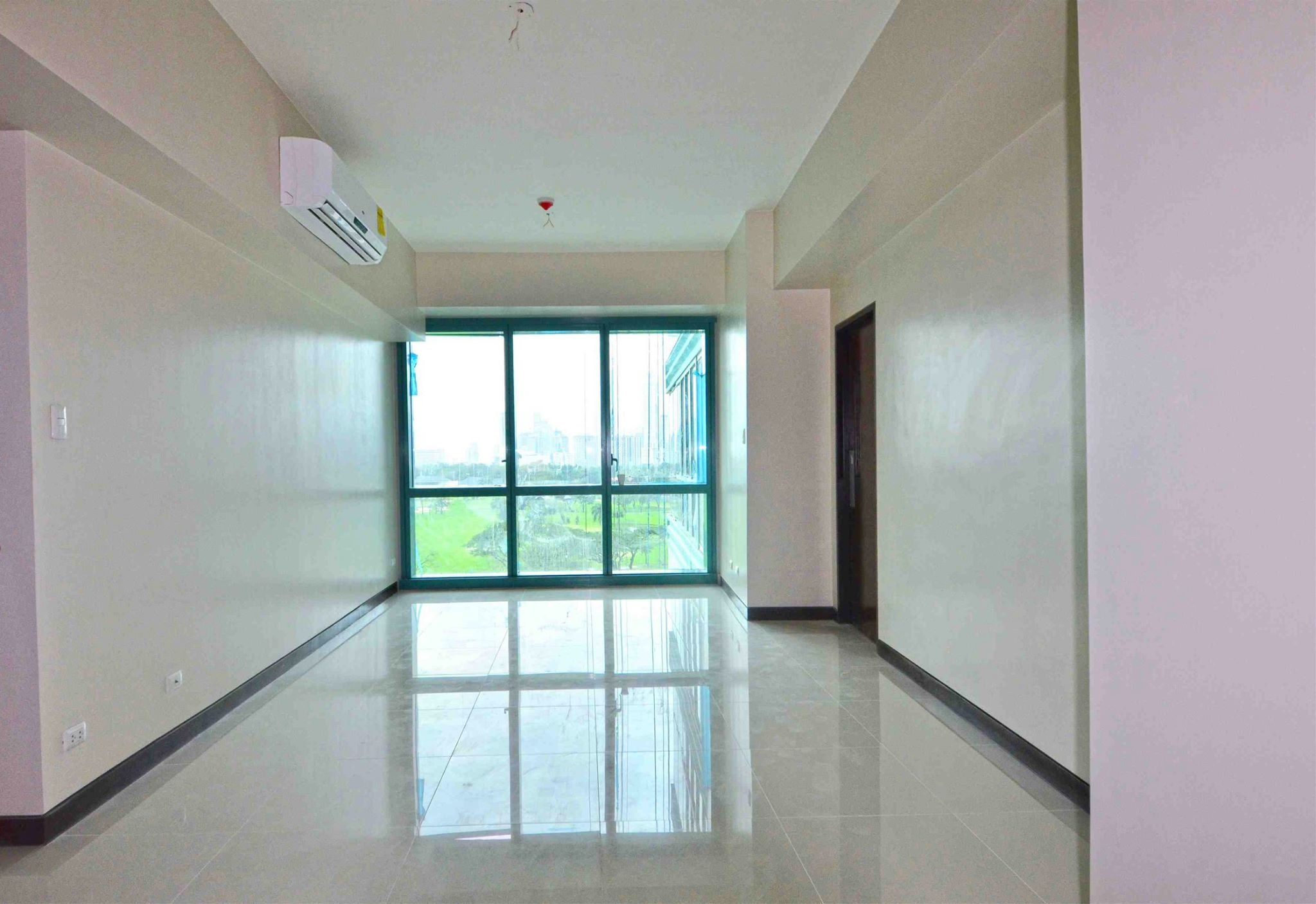 FOR SALE: Apartment / Condo / Townhouse Manila Metropolitan Area > Other areas 6