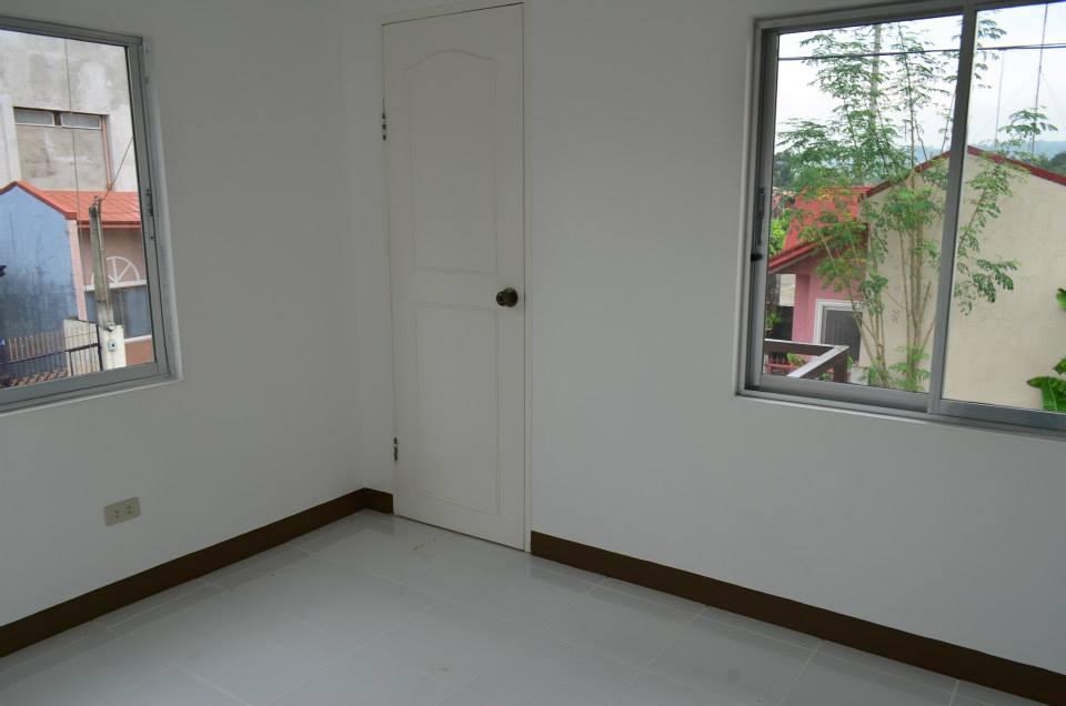 FOR SALE: Apartment / Condo / Townhouse Rizal 5