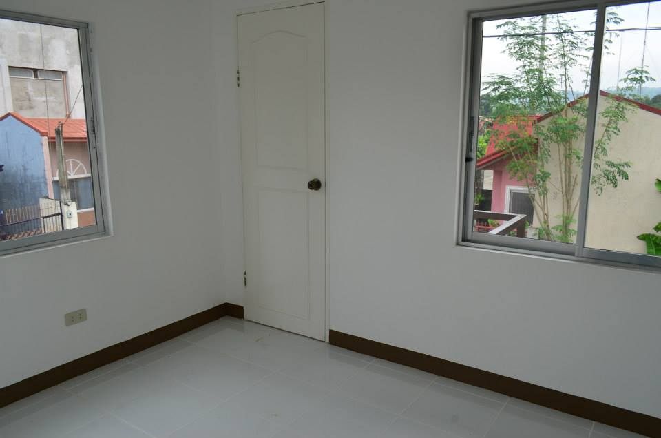 FOR SALE: Apartment / Condo / Townhouse Rizal 8