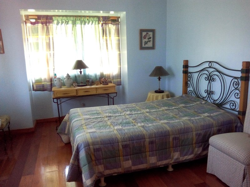 FOR SALE: House Cavite 8